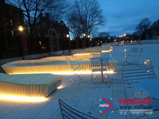stoss设计的哈佛大学校园广场