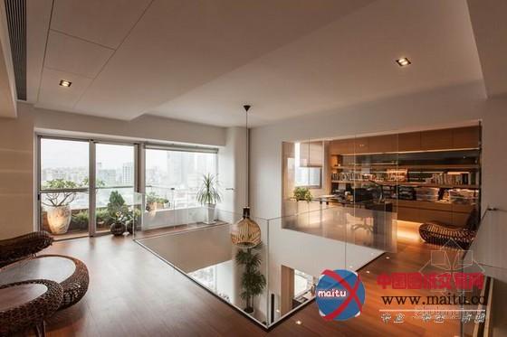 台湾木质色调的现代别墅装修