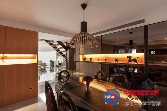 台湾木质色调的现代别墅装修,宽阔的空间显得洁净亮堂,整体的灯光以昏黄为主,透过巨大年夜落地窗晖映进来的天然光又很调和的中和了色调,既敞亮又带着成熟感。台湾设计很长于操纵木质元素,整座别墅的木质色调统一,天然舒适,配上绿色植物的点缀,有一种大年夜天然的温馨感,操纵木质达到精品的结果。 关头词:现代别墅 台湾别墅装修  台湾现代别墅装修  台湾现代别墅装修  台湾现代别墅装修  台湾现代别墅装修  台湾现代别墅装修  台湾现代别墅装修  台湾现代别墅装修  台湾现代别墅装修  台湾现代别墅装修  台湾现代别墅