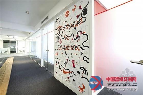 nike伦敦总部办公室装修 手工涂鸦十分显眼