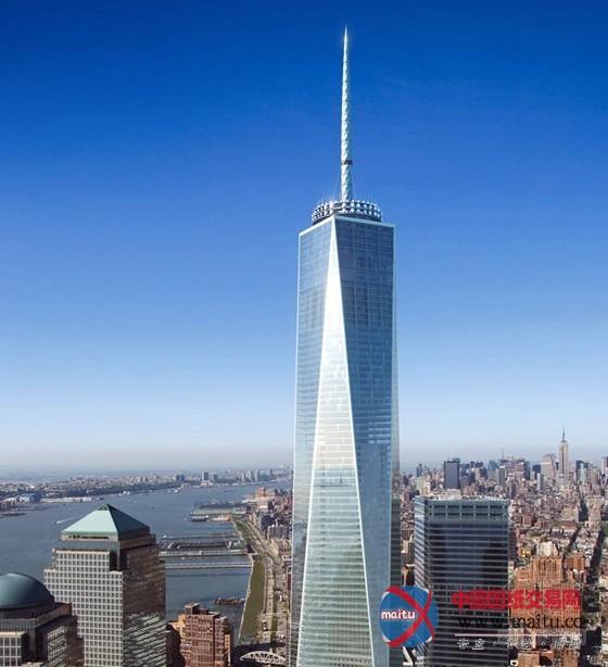 摘要:今朝,纽约人正在等候相干机构确认新世贸中间一号楼的高度,希看能名正言顺地拿回美国最高建筑的头衔。12年前,纽约地标性的建筑世贸中间双子塔在9.11可骇攻击中轰然倾圮。  新世贸中间结果图 2013年5月,用时8年扶植以后,新世贸一号楼成功封顶,在顺利吊装上一个金属塔尖部门以后,这座建筑的整体高度达到了1776英尺,约合540米,大年夜楼的开辟商也由此传播鼓吹其成为西半球同时也是美国最高的建筑。 可是,外界对新世贸可否顺利夺得美国最高建筑的头衔还存有争议。因为在1776英尺的总高度傍边,别的