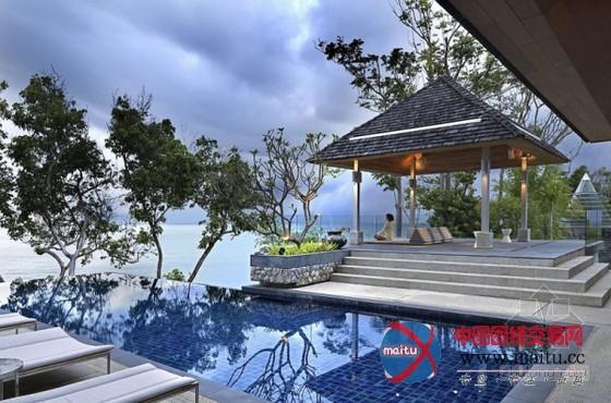摘要: 在泰国普吉岛,这是价值数百万美元的海滨别墅,高端的举措措施和迷人亚洲气焰的家具更增加了别墅优雅和精美感,包含4个豪华的卧室,和一个糊口区和用餐区,均配备了全部国度的最进步前辈的举措措施,户外具有一个46英尺的泳池,可以渐渐赏识安达曼海的绚丽风景。普吉岛豪华海滨别墅还有一间蒸汽浴室和一个桑拿浴室,包管充沛的放松。 关头词:普吉岛别墅 海滨别墅 别墅设计  泰国普吉岛豪华海滨别墅设计 迷人的优雅  泰国普吉岛豪华海滨别墅设计 迷人的优雅  泰国普吉岛豪华海滨别墅设计 迷人的优雅  泰国普吉岛豪华海滨别