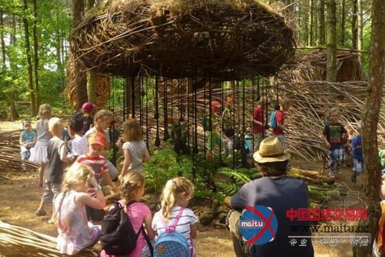 荷兰艺术家在魔法森林里创造的神奇雕塑-园林景观