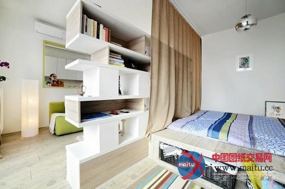 摘要:这是位于以色列Arad的一座私宅,独一40平方米的可用空间,整座房子以白色为基底,操纵淡淡的芥末绿和一抹蓝色作为点缀,色调清爽。 主人奇妙的操纵镂空隔断距离,在分隔区域的同时增加视野的宽阔性和储物性,家居装潢设计简单、空间敞亮,自行车的洗手台也是亮点。 关头词:家居装潢 家居设计  40平米的清爽色调小户型家居装潢设计  40平米的清爽色调小户型家居装潢设计  40平米的清爽色调小户型家居装潢设计  40平米的清爽色调小户型家居装潢设计  40平米的清爽色调小户型家居装潢设计  40平米的清爽色调小