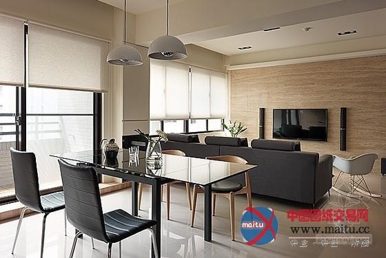 台湾室第室内装修设计由创境设计,考虑小我糊口的形态,在设计大将室内首要居室打开、串连,除能具有更好掌控的法度外也获得了空间的深度,适在的距离、宽度,带来喘气的空间。 台湾室第室内装修设计,透过壁面清算拉平,还原纯真的动线及空间区块,灰褐色直纹的壁面加深清爽的印象。由餐厅进进书房,地坪静静升了一阶,环境色调也转为温润、带有较着的木质纹理,潜意识进进感性的情感,闭上眼,似迎风徘徊在一片金黄禾谷中。 关头词:台湾室第 室第设计 时尚室第  时尚清爽!台湾室第室内装修设计  时尚清爽!台湾室第室内装修设计  时尚
