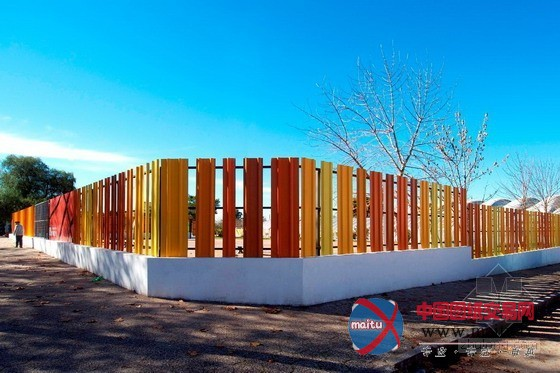 乌拉圭杜拉斯诺体育中心围墙设计