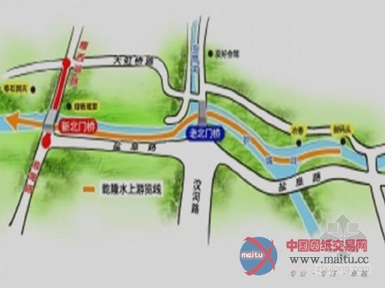 新北门桥纵贯护城河,北接瘦西湖路,南接淮海路,桥南北端接线