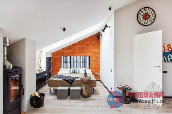 这套室第的空间只有40平米,并且是房型其实不算好的阁楼,年青的佳耦束手无策,礼聘了 Evgeniya Ostrovskaya 设计师帮他们进行改革,设计师将整体的气焰与年青的佳耦相调和,几近全开放式的空间削减小面积的榨取感,大年夜量***露的墙砖显示出主人的年青与随性,几样复古的软件来自二手市场,既节流了开支同时与整体的轻财产风相呼应,窗户的设计让室内采光也十分的杰出,小而舒当令尚的阁楼室第。 关头词:阁楼室第 室第设计 莫斯科住  莫斯科40平方小而舒当令尚阁楼室第设计  莫斯科40平方小而舒当令尚阁楼